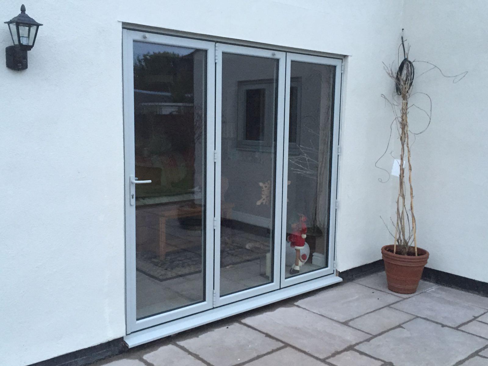 Aluminium bi fold doors preston chorley leyland for Aluminium folding doors